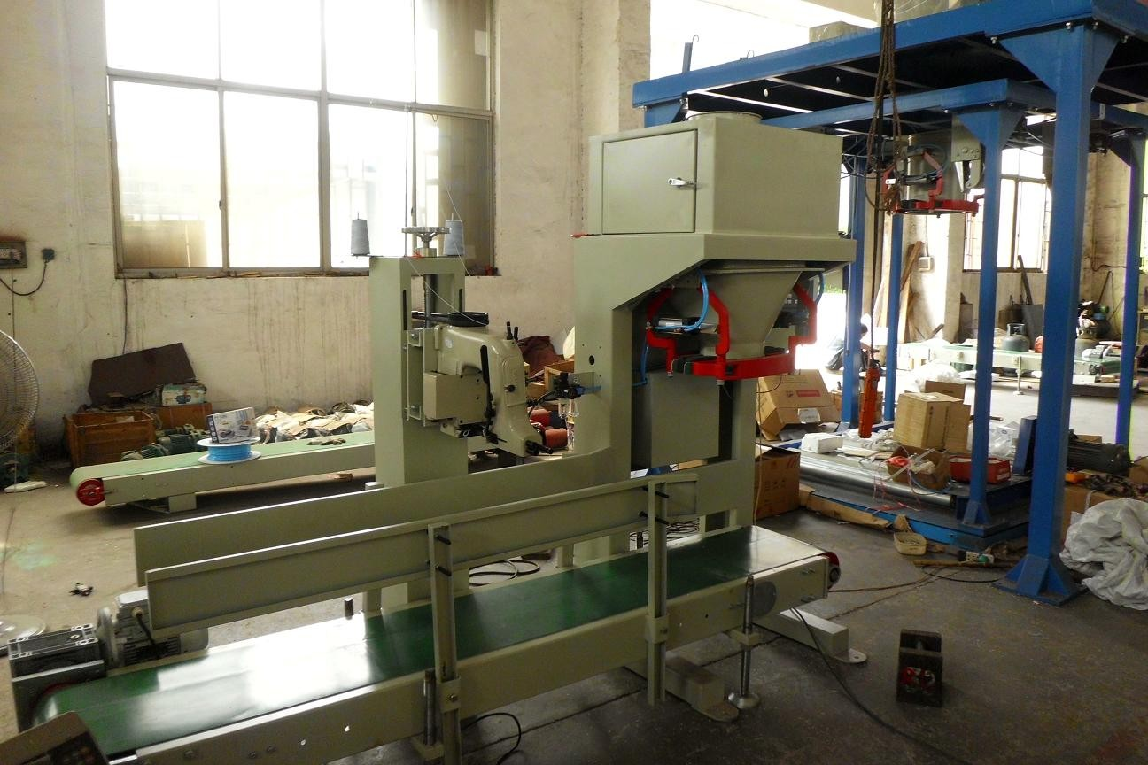 Gross Weighing Bean / Rice / Grain Bagging Machines 200 Bags / Hour